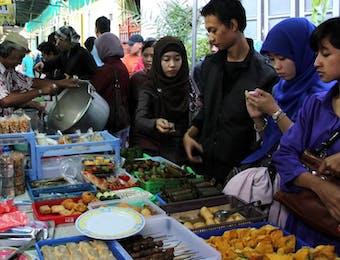 Menabung Rindu Ramadan di Pasar Sore Kauman Yogyakarta