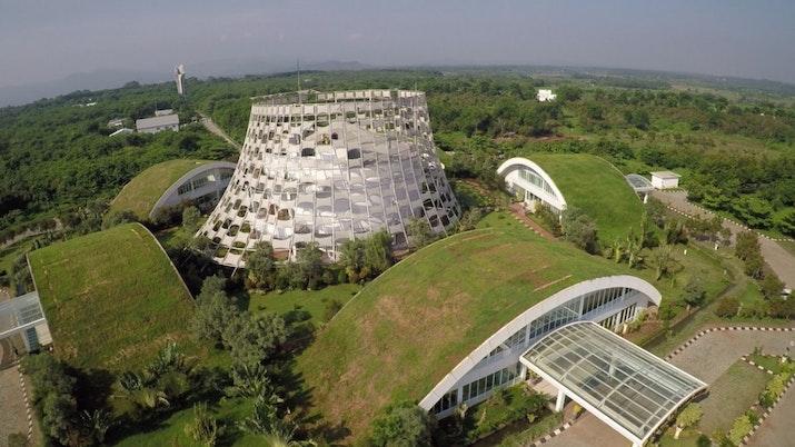 Kampus Dahana yang merupakan Eco-Building