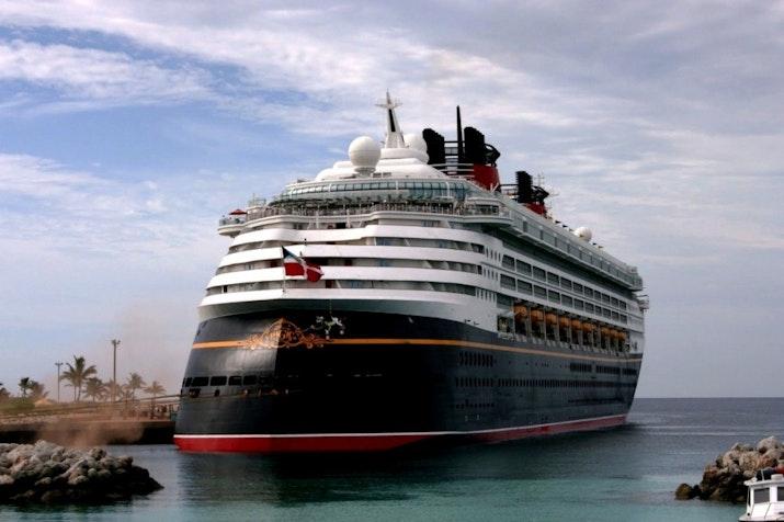 Dream Cruise Bawa 4.000 Wisman Nikmati Wisata Kota Surabaya