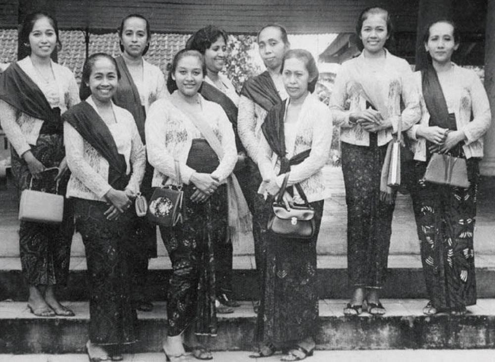 Benarkah Kebaya Adalah Pakaian Asli Indonesia Good News From