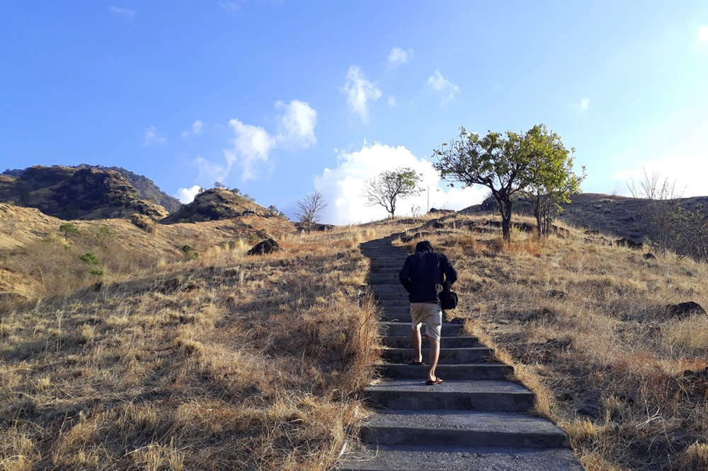 Hasil gambar untuk bukit kursi