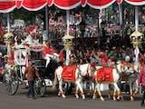 Sejarah Baru: Parade Pakaian Adat hingga Bagi-bagi Sepeda dalam Upacara Proklamasi di Istana