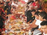 Keunikan Tradisi Makan Bajamba di Minangkabau