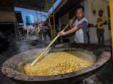 Gambar sampul Kuah Beulangong, Sajian Kuliner Khas Serambi Mekkah yang Hanya Boleh Dimasak Kaum Pria
