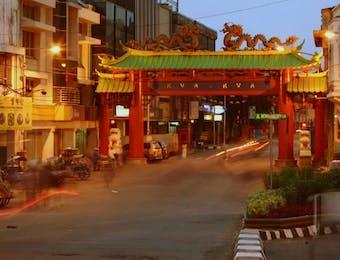 Mencicip Kuliner Akulturasi Jawa-Tionghoa di Kota Pahlawan