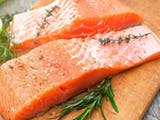 Gambar sampul Antara Ikan Salmon dan Ikan Kembung