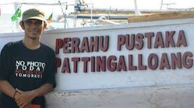 Lewat Perahu Pustaka, Pemuda Mandar Tularkan Semangat Membaca Ke Pesisir Pelosok Indonesia