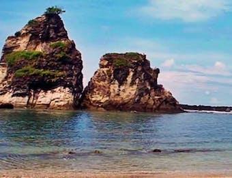 Menjamah Keeksotisan Pantai Sawarna dari Sisi yang Berbeda