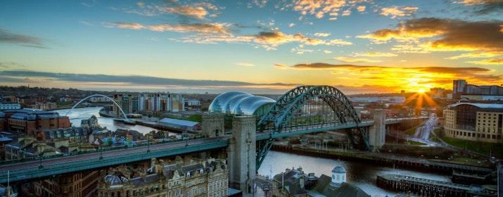 17-an di Inggris: Semangat Kemerdekaan dari Newcastle