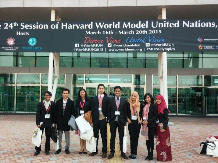 Mahasiswa Indonesia Raih Best Diplomacy Award di Harvard World Model United Nations 2015
