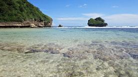 Pantai Goa Cina, Kenapa Namanya Begitu?