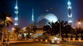 Masjid Berkubah terbesar di Dunia ada di Indonesia