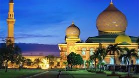 Masjid Ini Tidak Kalah Megah Dari Taj Mahal India