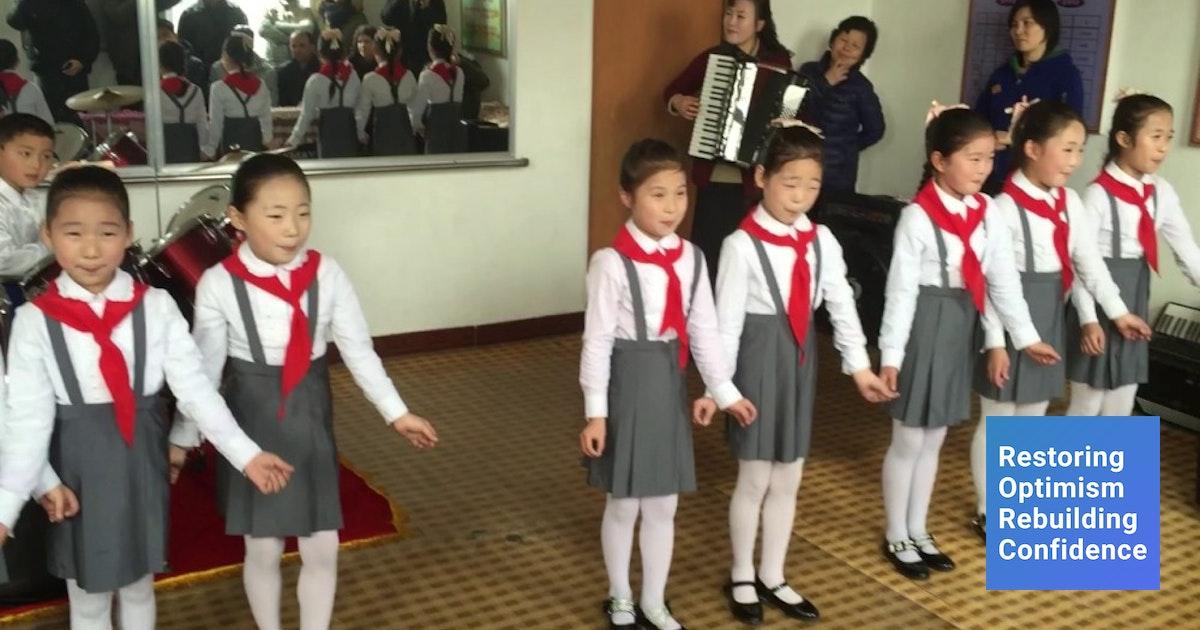 Foto 15 Seragam Sekolah Di Dunia