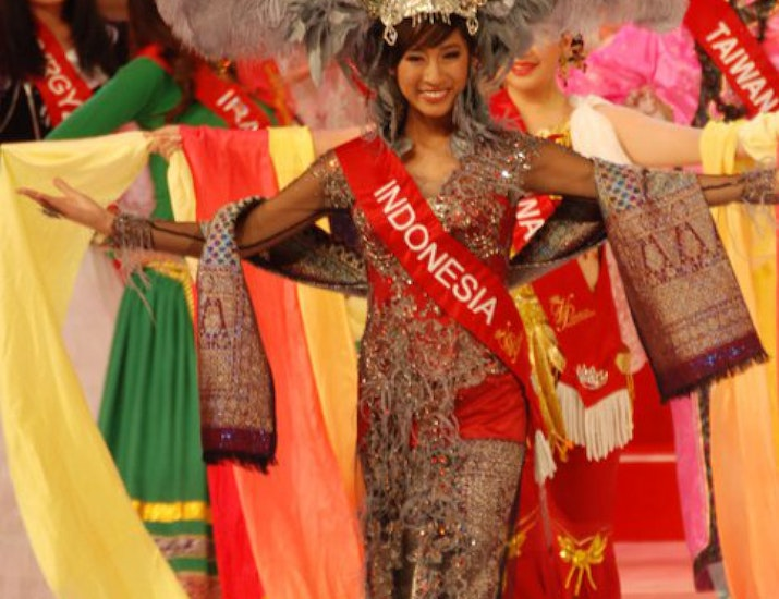 Meeghan Henry from Indonesia Crowned Miss Teen Asia USA 2011