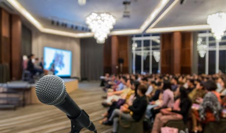 Teknik Penting Menjadi Public Speaker