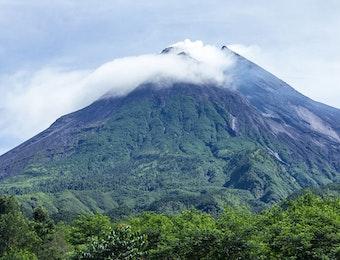 Misteri Makhluk Halus di Sekitar Lereng Gunung Merapi