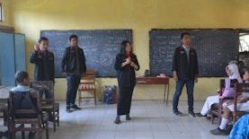 Mahasiswa KKN 10 UMM Ajak Murid Murid SD Gemar Menabung