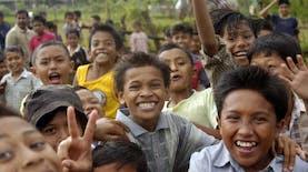 Orang Indonesia dan Caranya Berbahagia yang Sederhana