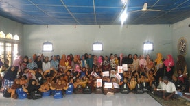 Parenting Tahun Kedua dan Penyaluran Dana Bantuan Pendidikan dari Shopee untuk MI Masdarul Ulum