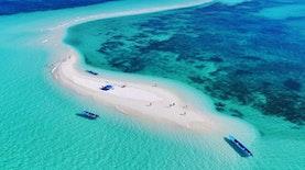 7 Pantai Terindah di Maluku