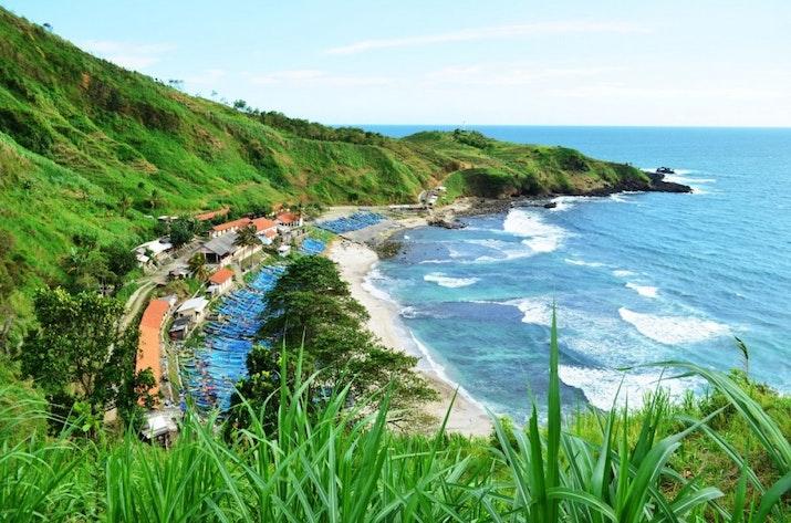 Menikmati Panorama Pantai Menganti, Selandia Barunya Indonesia