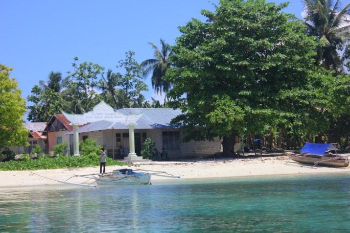 Bersantai di Morotai