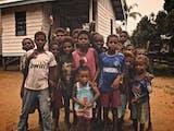 Gambar sampul Tiga Penyanyi Indonesia Buka Hati Untuk Anak-Anak Papua