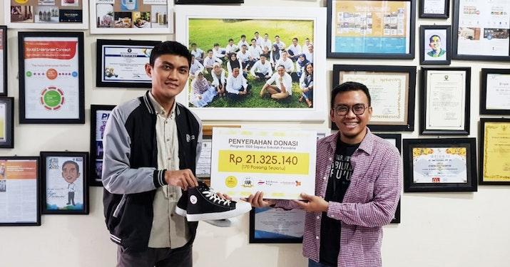 Perhimpunan Mahasiswa Indonesia di Thailand (PERMITHA) Persembahkan 170 Pasang Sepatu Sekolah Untuk Yatim
