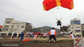 Cerita Pasukan Terjun Payung Pertama dan Kejuaraan Terjun Payung Internasional