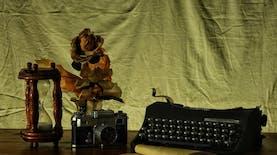 Perempuan Penulis di Indonesia, Mulai dari Masalah Sensitivitas hingga Tanggung Jawab Sosial