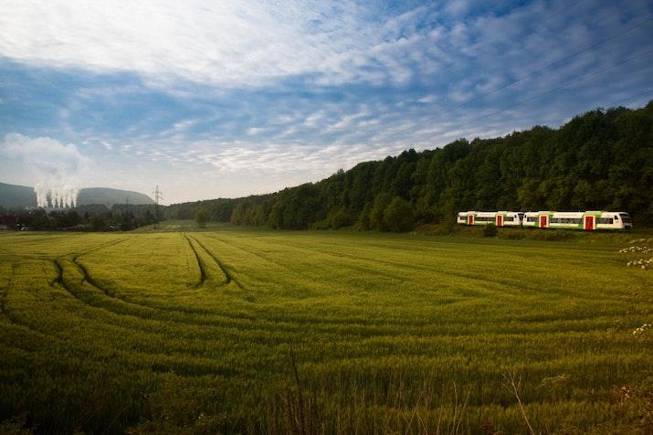 7.000 km Jalur Baru Kereta Api Akan Dibangun hingga 2030