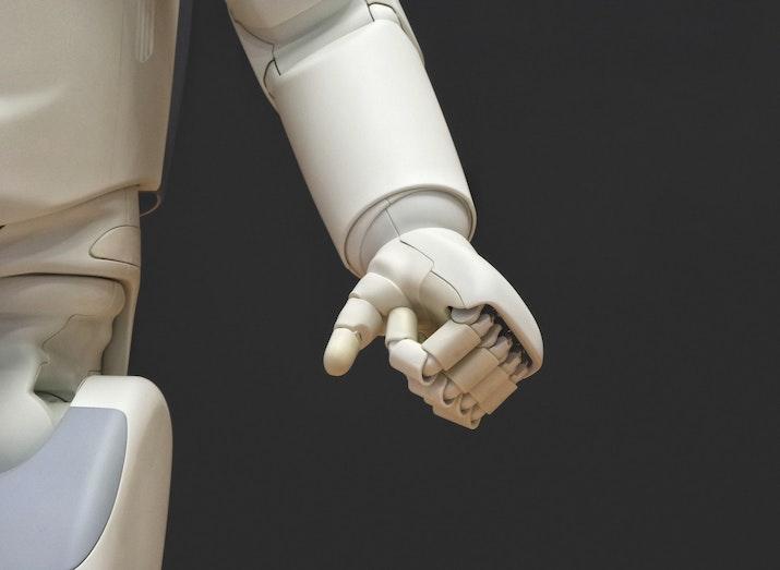 Robot-robot Mulai Gantikan Pekerjaan Manusia di Bandara Ini