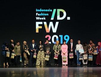 Kalimantan, Ikon Indonesia Fashion Week 2019