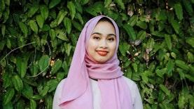 Wanita Keturunan Indonesia-Malaysia Ini Jadi Peserta Miss Universe Pertama yang Mengenakan Hijab Asal Asia Tenggara