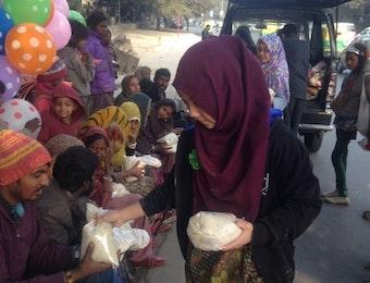 Terjang Dinginnya Hindustan, Pelajar Indonesia Wujudkan Kepedulian di New Delhi