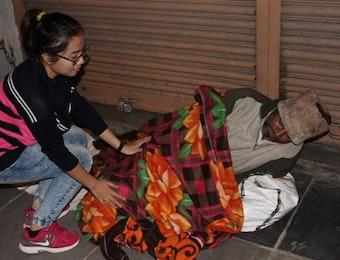 Mahasiswa Indonesia di India Lakukan Aksi Donasi Blusukan Saat Malam Tahun Baru