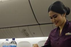 Membelah Angkasa dengan Busana Khas Indonesia