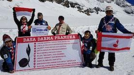 Pramuka dan Vanaprastha Indonesia Promosikan Indonesia di Eropa Dengan Cara Menakjubkan