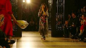 Pernak-Pernik Indonesia di London Fashion Week 2019