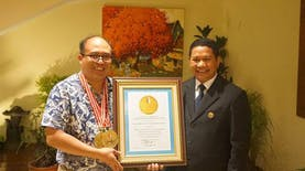 Professor Radar dari Bandung ini Mendapat Penghargaan Leprid 2015