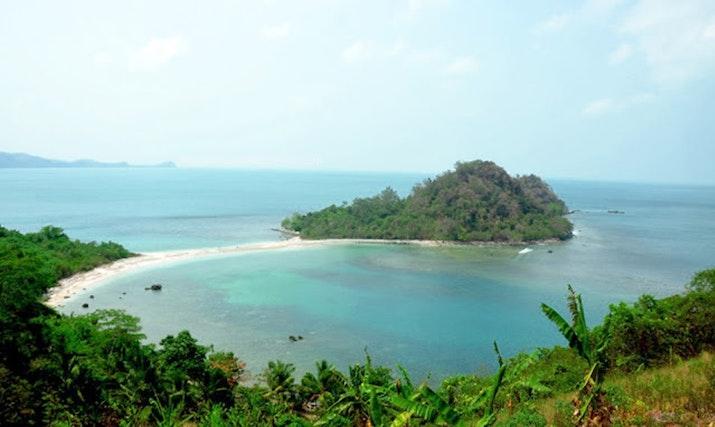 Pulau Mengkudu, Pulau Eksotis di Selatan Lampung