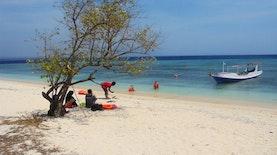 "13 Negara  Ramaikan Selancar Angin dan Layang di ""Pulau Eksotis""  Banyuwangi"