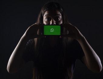 WhatsApp Perangi Hoaks di Indonesia dengan Batasi Forward Pesan