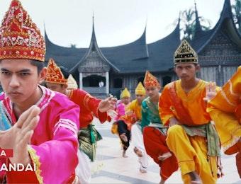 Randai Sebagai Penyampai Cerita Rakyat Minang