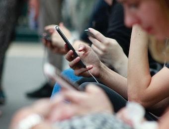 Dua Alternatif Pengganti WhatsApp. Buatan Indonesia, Lho!