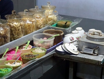Nostalgia Salatiga Dalam Semangkuk Ronde Jago
