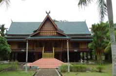 Keunikan Rumah Adat Kajang Lako di Bumi Melayu