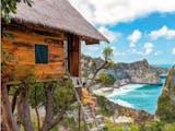 Pesona Molenteng, Rumah Pohon Dengan Pemandangan Tebing dan Pantai