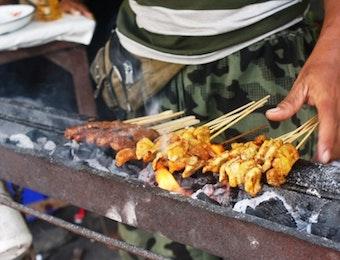 Sate Susu, Kuliner Ramadhan Perekat Toleransi di Bali